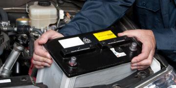 Замена аккумулятора автомобиля